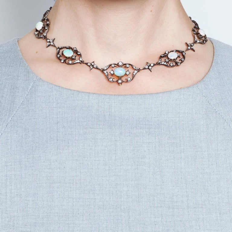Victorian circa 1895, 10.50 Carat Opal & 5.06 Ct Diamond Garland Style Necklace For Sale 4