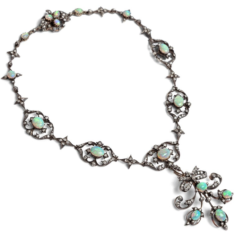 Late Victorian Victorian circa 1895, 10.50 Carat Opal & 5.06 Ct Diamond Garland Style Necklace For Sale