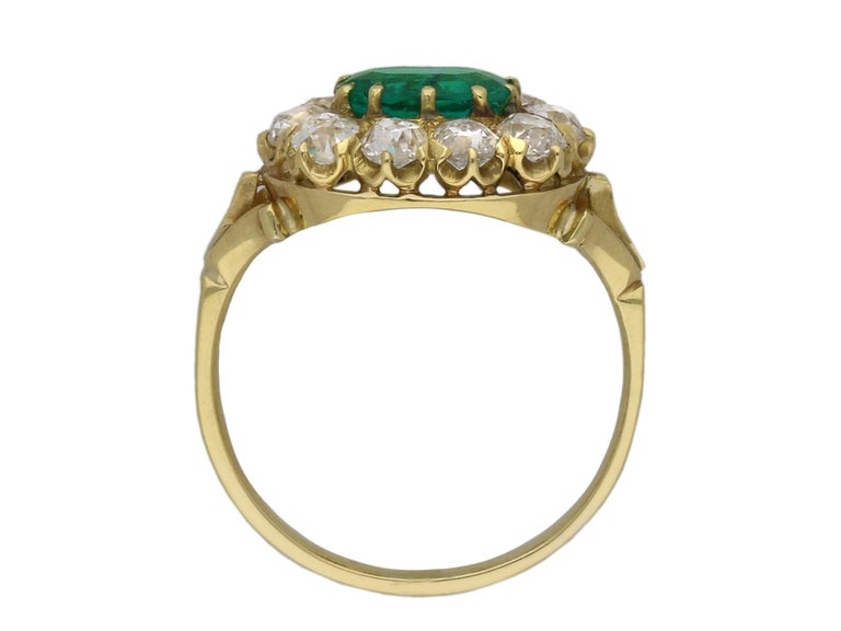 Late Victorian Victorian Colombian Emerald and Diamond Coronet Cluster Ring, circa 1890 For Sale