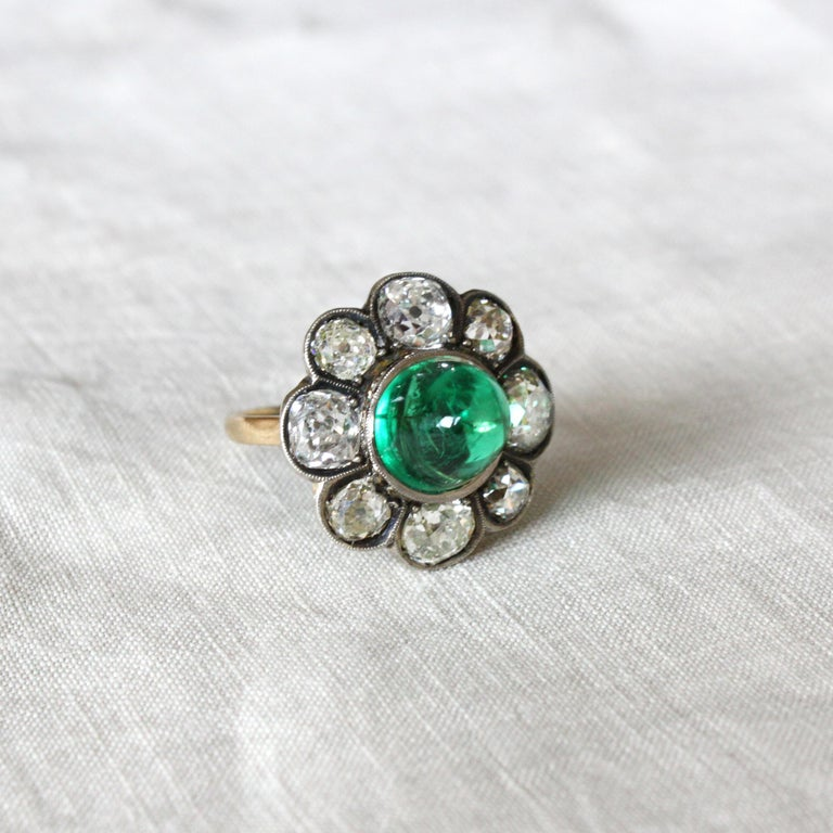 Victorian Colombian High Cabochon Emerald Diamond Flower Petal Ring, circa 1880s For Sale 3