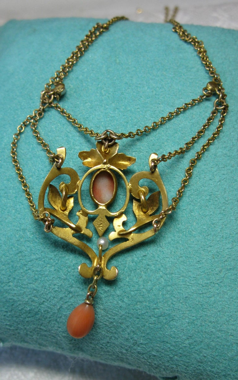 Victorian Coral Pearl Festoon Swag Necklace Antique Gold For Sale 2