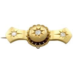 Victorian Diamond and 15 Karat Yellow Gold Brooch