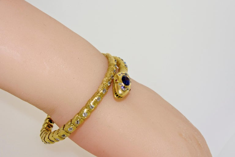 Victorian Diamond and Sapphire Serpent 18 Karat Gold Bracelet, circa 1860 For Sale 3