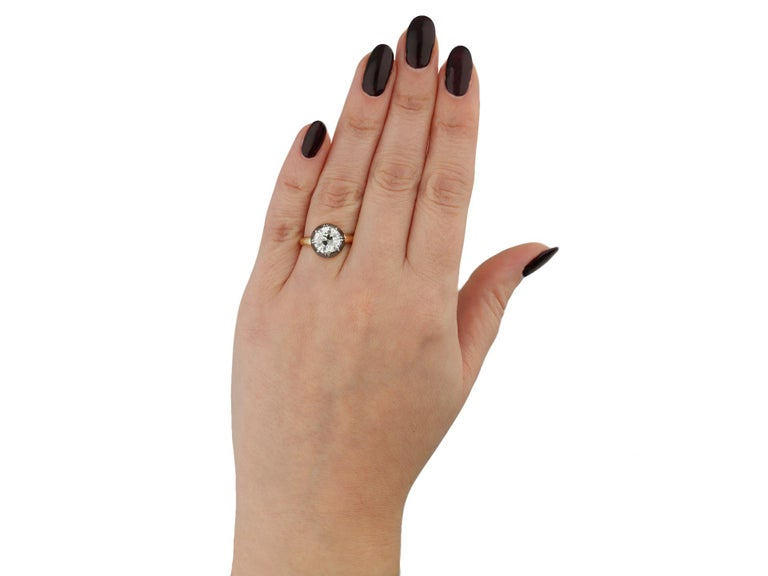 Victorian Diamond Solitaire Ring, English, circa 1860 In Good Condition For Sale In London, GB