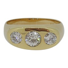 Victorian Diamond Three Stone Ring 18 Karat Yellow Gold