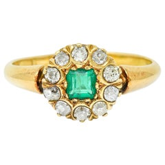 Victorian Emerald Diamond 18 Karat Gold Cluster Ring