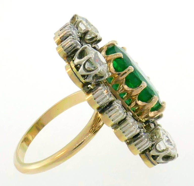 Women's Victorian Emerald Diamond Gold Ring, 1900s For Sale