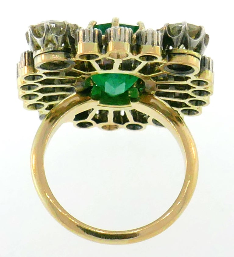 Victorian Emerald Diamond Gold Ring, 1900s For Sale 1