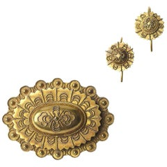 Victorian Etruscan Brooch and Earrings Gold Suite
