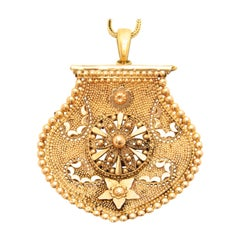 Victorian Etruscan Revival 14 Karat Yellow Gold Pendant Necklace