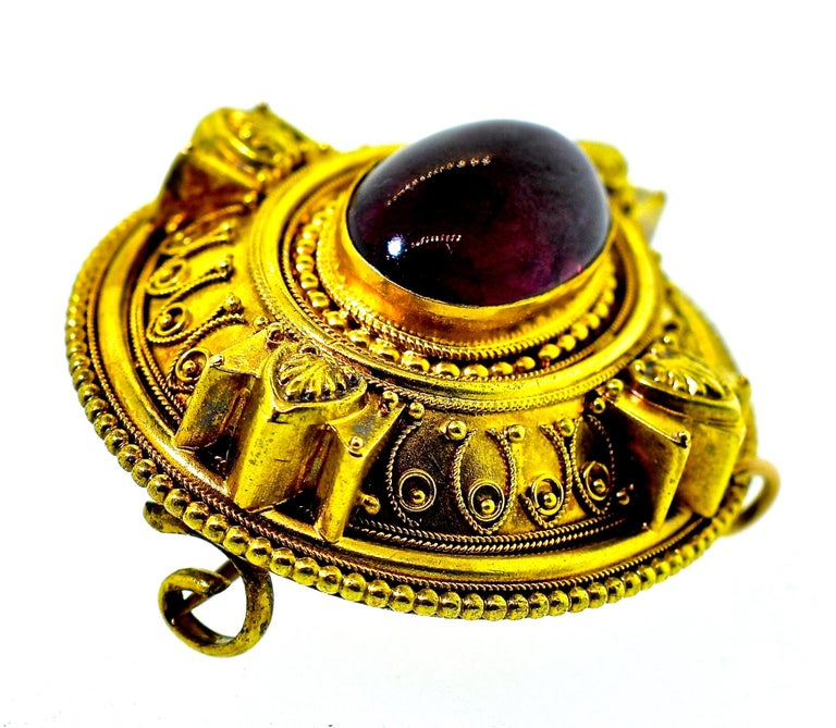 Victorian Etruscan Revival Garnet Antique Brooch, circa 1880 For Sale 1