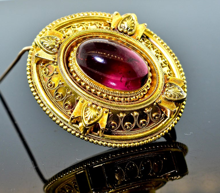 Victorian Etruscan Revival Garnet Antique Brooch, circa 1880 For Sale 2
