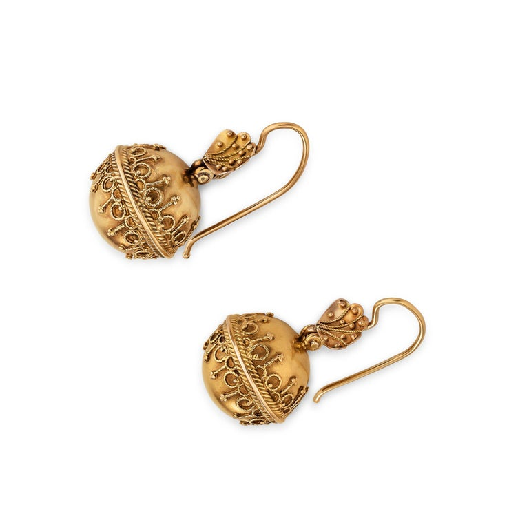 Victorian Etruscan Style Gold Earrings In Excellent Condition In Greenwich, CT