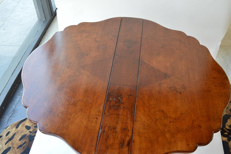 Victorian Figured Walnut Sutherland Table For Sale 9