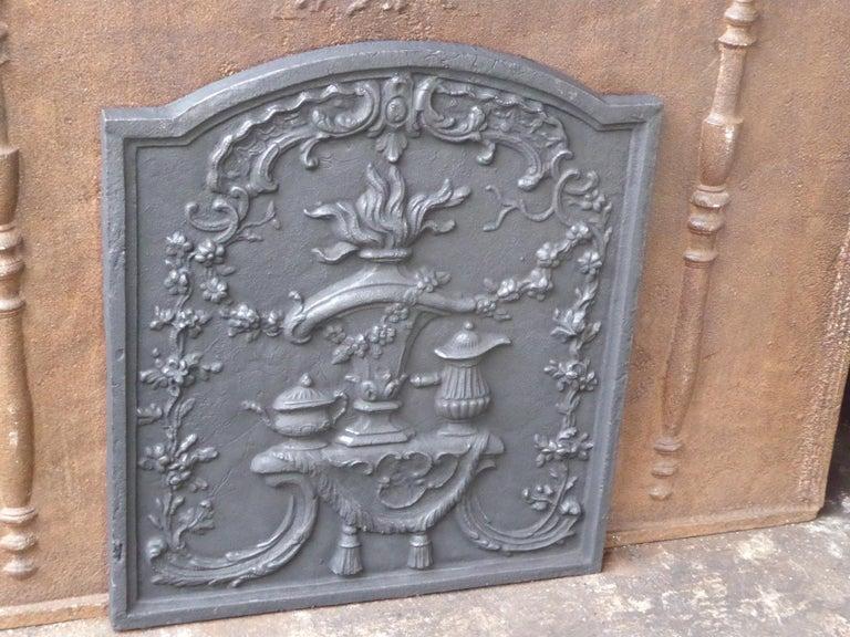 Iron Victorian 'Fire Pot' Fireback For Sale