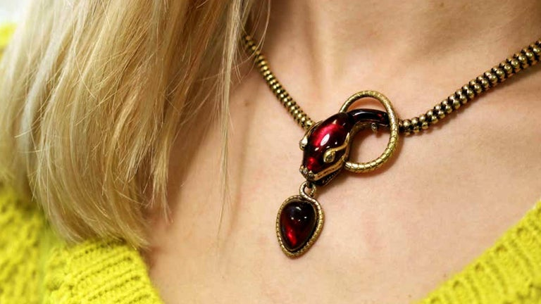 Victorian Garnet Diamond Antique Snake Pendant Necklace In Excellent Condition For Sale In Banbury, GB