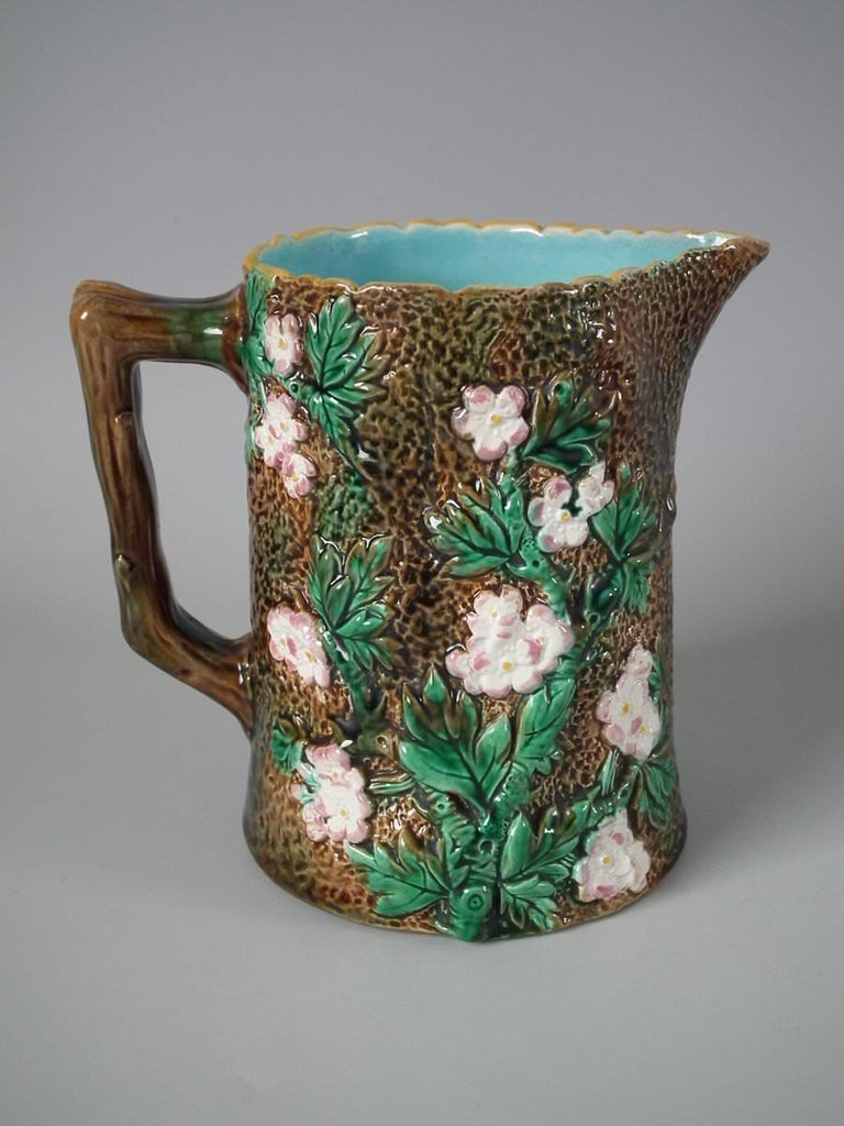 Victorian George Jones Majolica Rustic Blossom Pitcher In Good Condition For Sale In Chelmsford, Essex