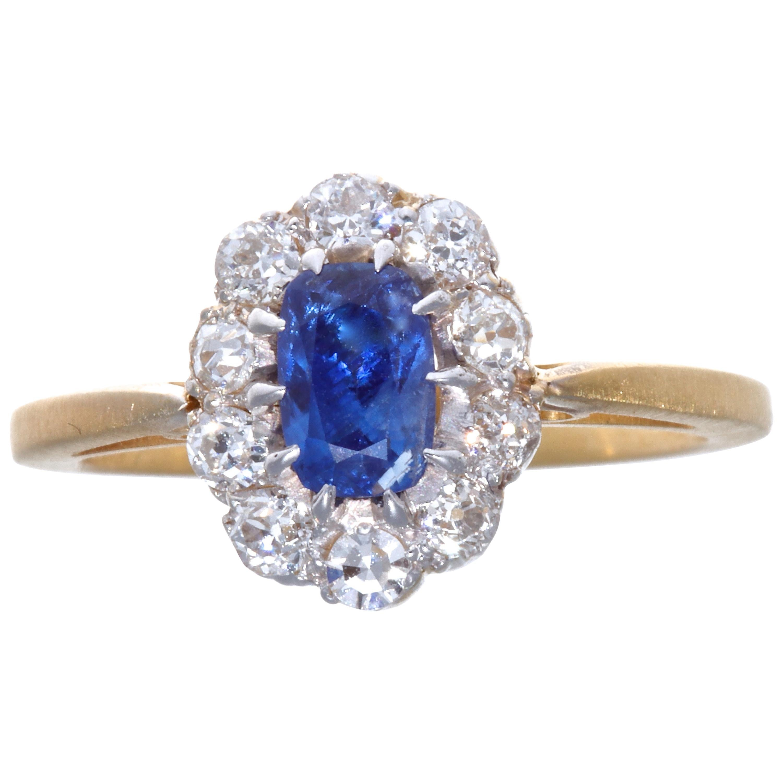 Victorian GIA 0.71 Carat Kashmir No Heat Sapphire Diamond 14 Karat Gold Ring