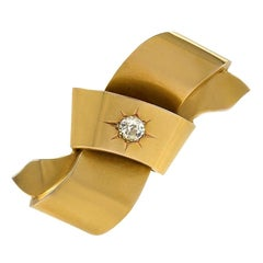Victorian Gold Bow Brooch with Diamond