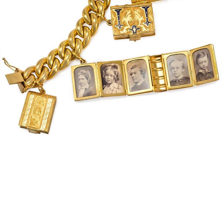 Victorian Gold Charm Bracelet with Book-Shaped Lockets In Good Condition For Sale In New York, NY