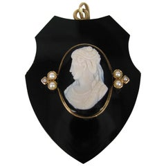 Victorian gold Hair locket pendant - Black Jet