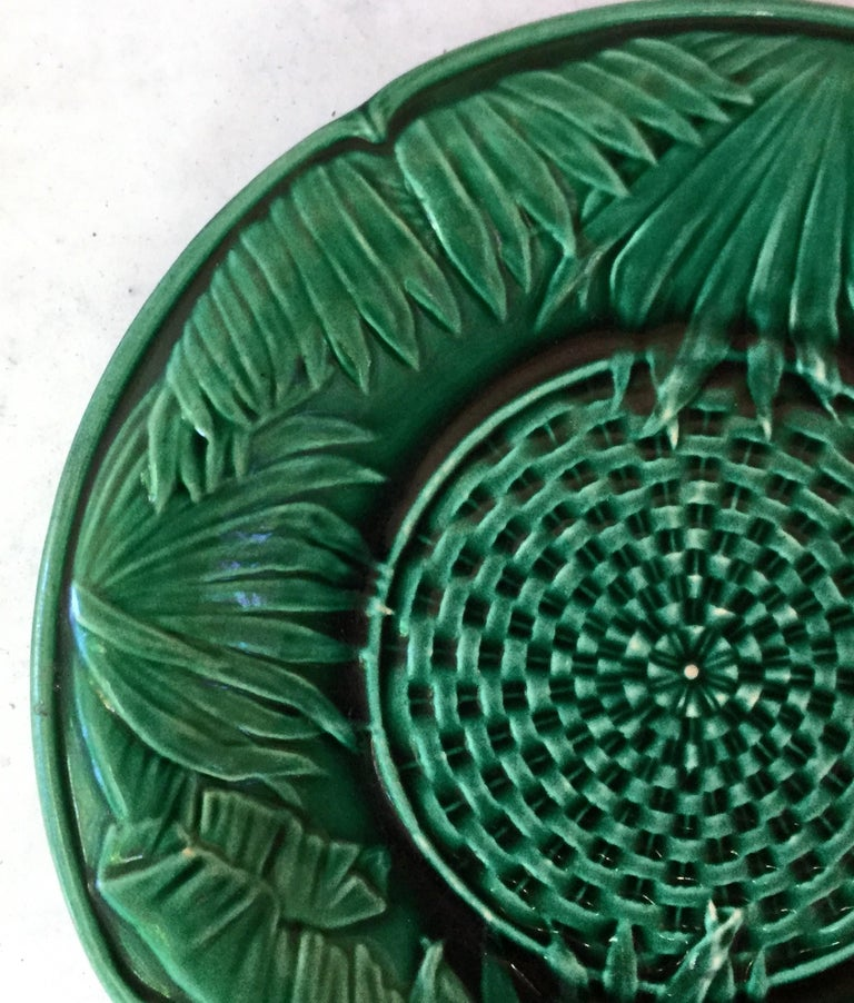 Victorian green Majolica palm leaves plate, circa 1880.