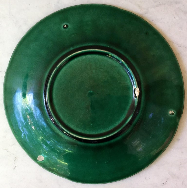 Late 19th Century Victorian Green Majolica Palm Leaves Plate, circa 1880 For Sale