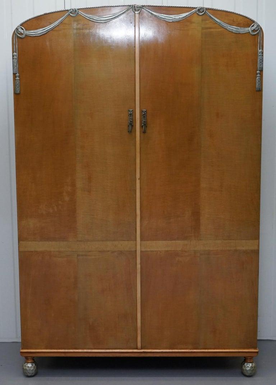 English Victorian Hampton & Son's Satinwood Bedroom Suite Wardrobe Dressing Table Mirror For Sale