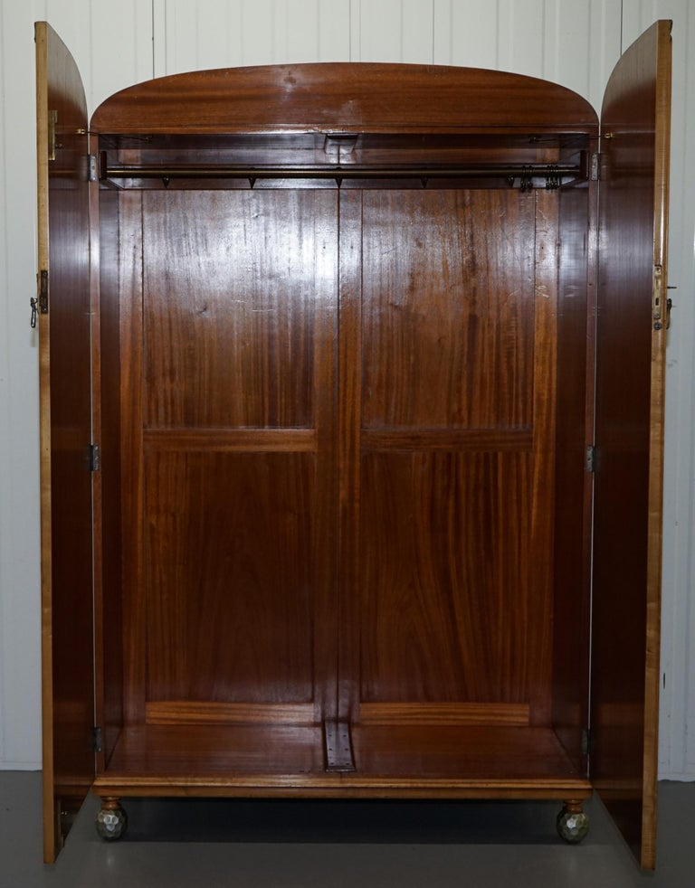 Victorian Hampton & Son's Satinwood Bedroom Suite Wardrobe Dressing Table Mirror In Good Condition For Sale In London, GB