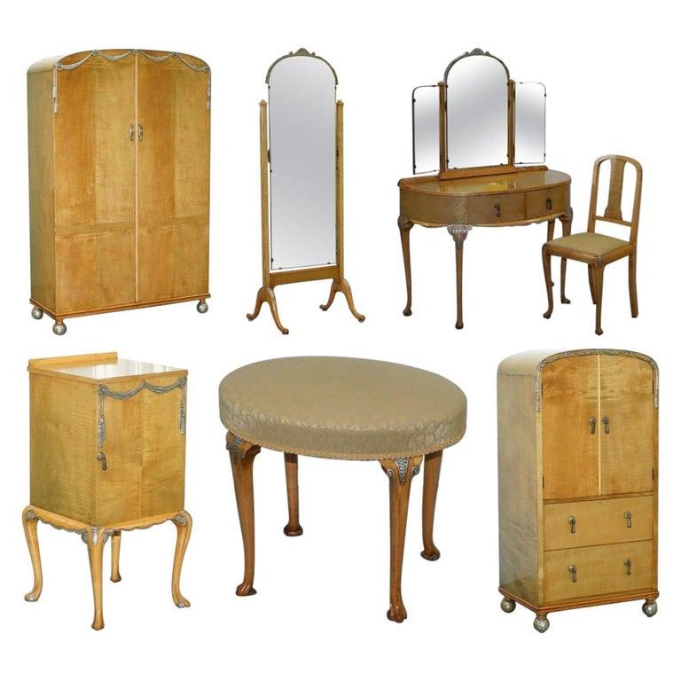 Victorian Hampton & Son's Satinwood Bedroom Suite Wardrobe Dressing Table Mirror For Sale