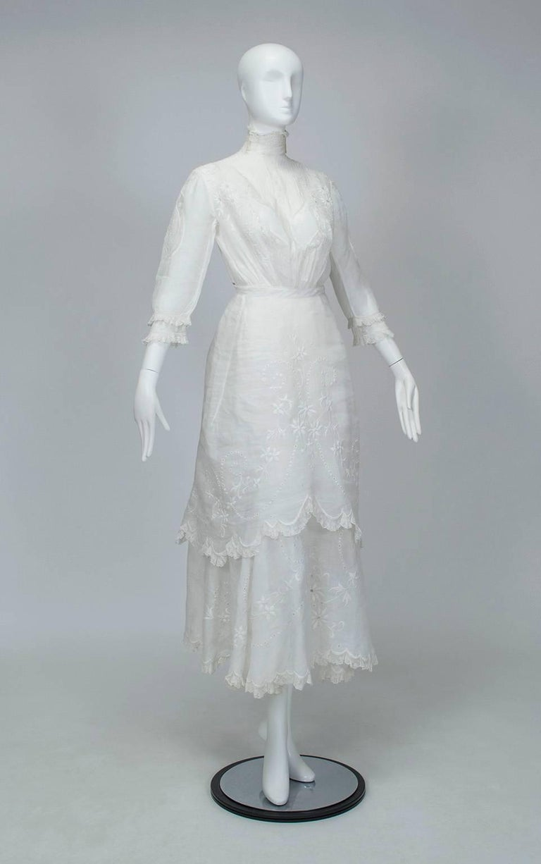 If Downton Abbey had taken place during the Belle Epoque instead of the Edwardian Era, you can bet you would have seen Lady Mary in this dress. A superb example of Victorian summer fashion and a sartorial work of art in near mint