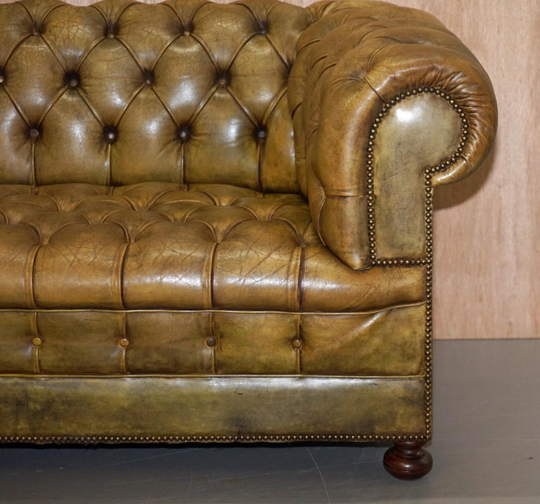 Victorian Horse Hair Green Hand Dyed Leather Chesterfield Fully Button Base Sofa For Sale 4