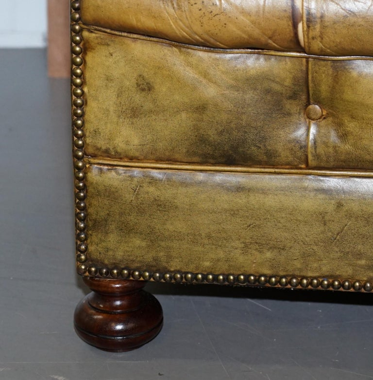 Victorian Horse Hair Green Hand Dyed Leather Chesterfield Fully Button Base Sofa For Sale 6