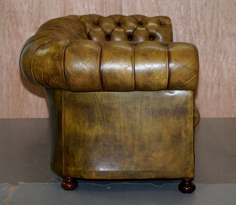 Victorian Horse Hair Green Hand Dyed Leather Chesterfield Fully Button Base Sofa For Sale 7