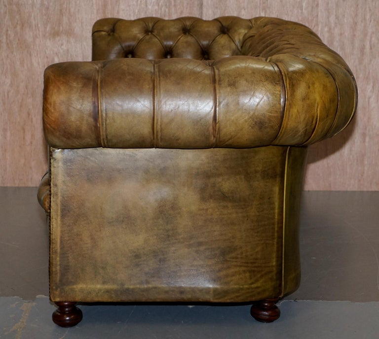 Victorian Horse Hair Green Hand Dyed Leather Chesterfield Fully Button Base Sofa For Sale 9