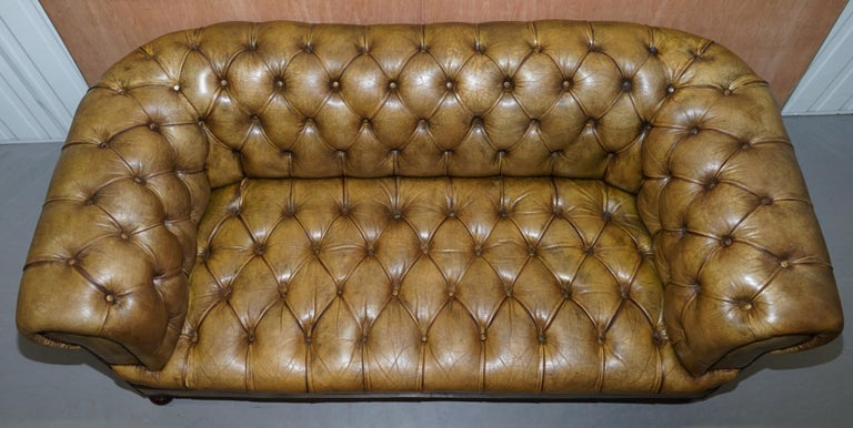 Hand-Crafted Victorian Horse Hair Green Hand Dyed Leather Chesterfield Fully Button Base Sofa For Sale