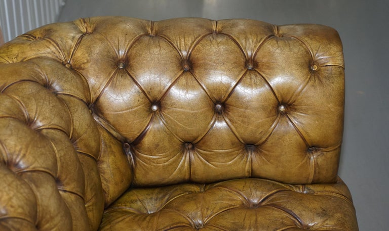 Victorian Horse Hair Green Hand Dyed Leather Chesterfield Fully Button Base Sofa For Sale 3
