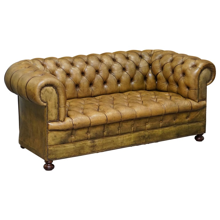 Victorian Horse Hair Green Hand Dyed Leather Chesterfield Fully Button Base Sofa For Sale