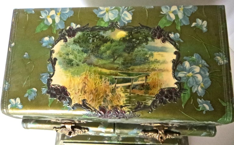 Victorian Lady's Necessaire Table Top Toiletry Box, American, circa 1900 For Sale 12