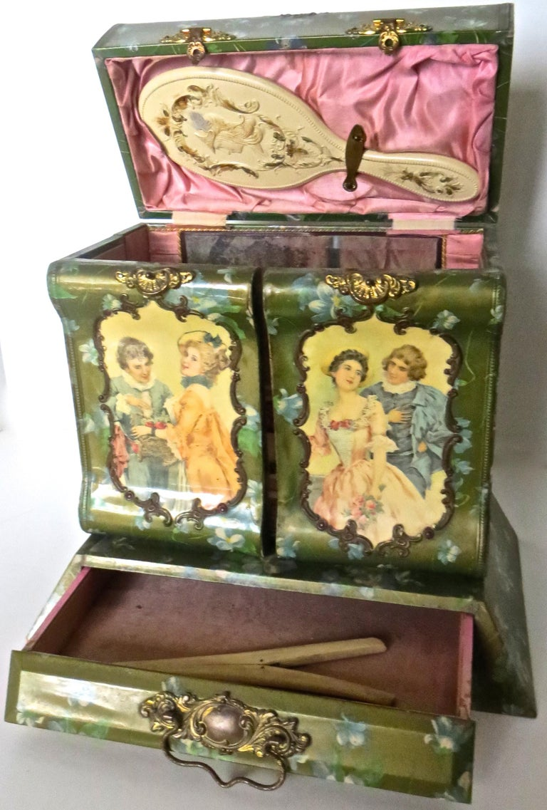 Early 20th Century Victorian Lady's Necessaire Table Top Toiletry Box, American, circa 1900 For Sale