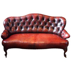 English Victorian deep buttoned red Leather Sofa, 19th century loveseat