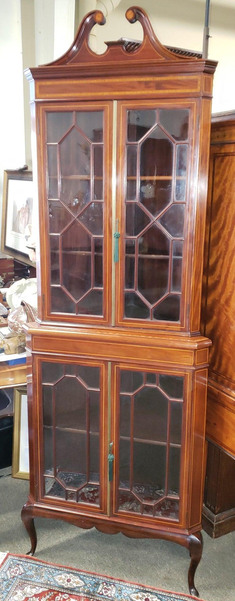 Victorian Mahogany Corner Cabinet For Sale at 1stdibs