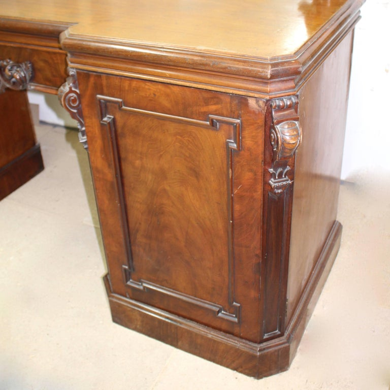 Victorian Mahogany Mirrored Sideboard In Excellent Condition For Sale In Heathfield, East Sussex
