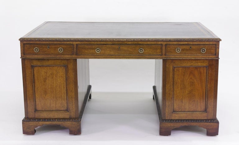 Victorian Mahogany Partners Desk, circa 1840-1860 In Good Condition For Sale In St. Louis, MO