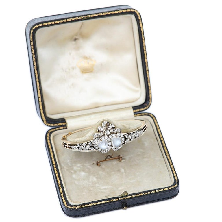 Victorian Moonstone Hearts and Bow Diamond Bangle 18 Karat Gold and Silver For Sale 9