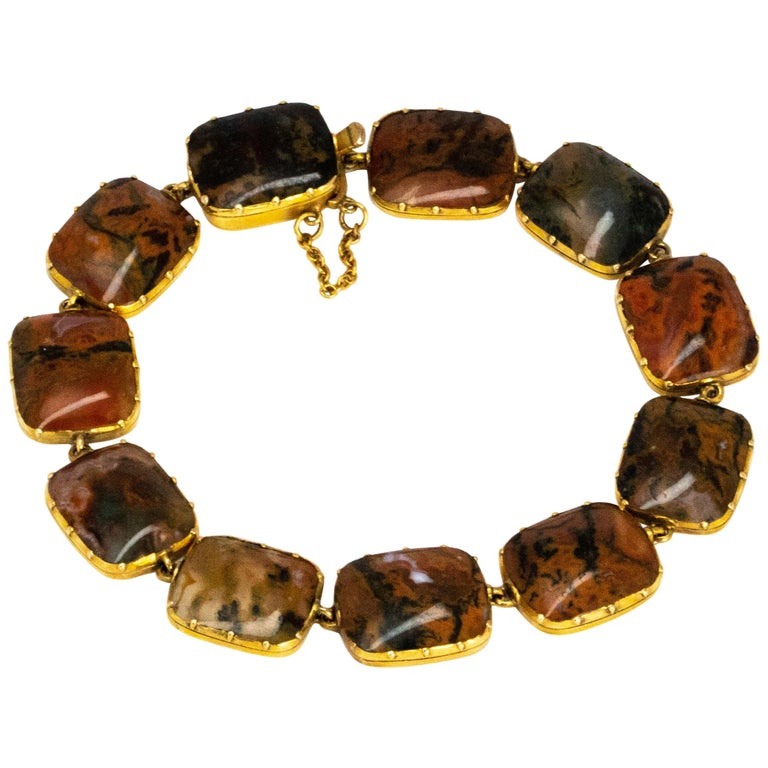 Victorian Moss Agate and 15 Carat Gold Bracelet For Sale