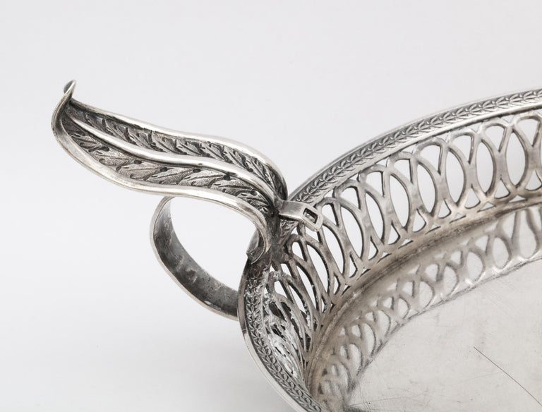 Mid-19th Century Victorian Period Sterling Silver Spanish Chamberstick on Ball Feet by Paulino For Sale