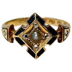 Victorian Rose Cut Diamond Enamel Locket Mourning Ring 18 Karat Gold Pearl