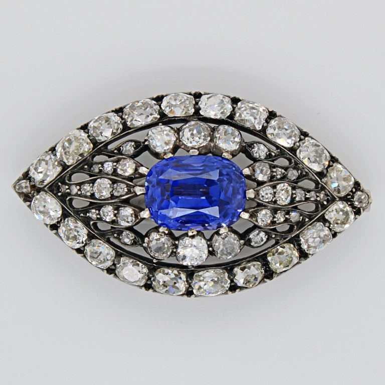 Victorian Sapphire and Diamond Eye Brooch, 1880s In Excellent Condition For Sale In Idar-Oberstein, DE