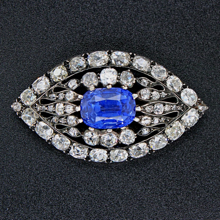 Victorian Sapphire and Diamond Eye Brooch, 1880s For Sale 2